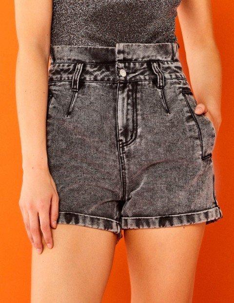 kika-shorts-211021